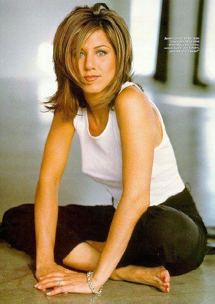 La actriz Jennifer Aniston luciendo su media melena shag