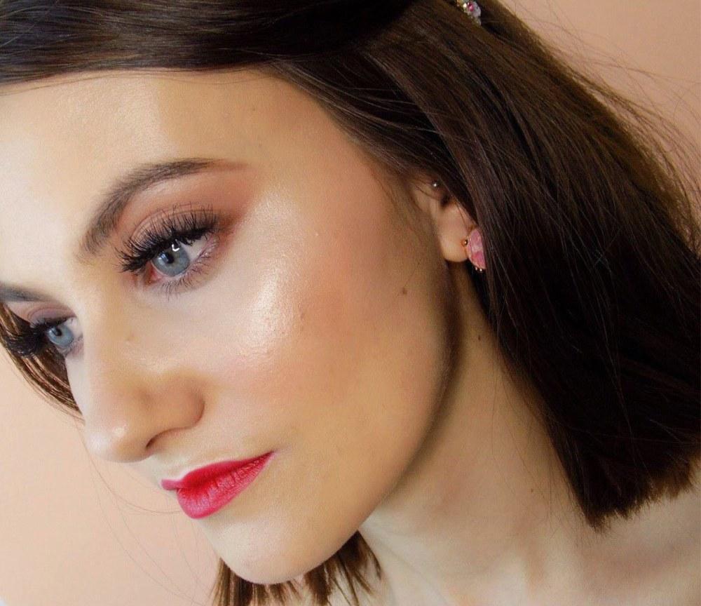 Cómo maquillar ojos hundidos